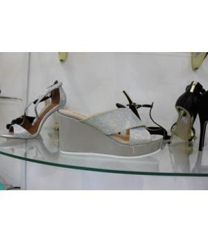 Шлепанцы сер лак страз Toleeno Q1850-F02-6 [серый]