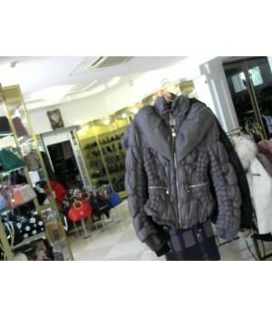 Куртка серого цвета на пуху короткая CRISTINA COVIOLI (4901) [серый]
