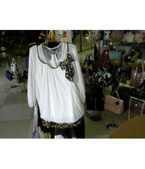 Блуза бел цв цветн на груди FILIP CARAT c156  [Белый]