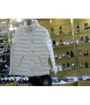 Куртка с пинорк отделкой стразы  Fuego 853 бел